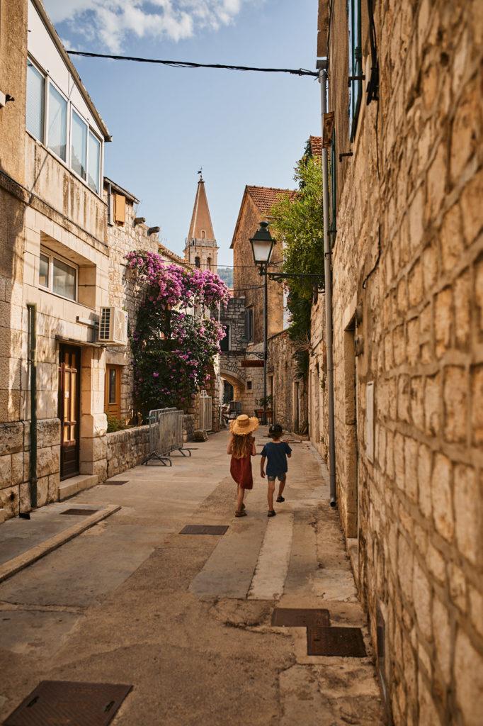 stari grad podroze z dzieckiem hvar horwacja samochodem
