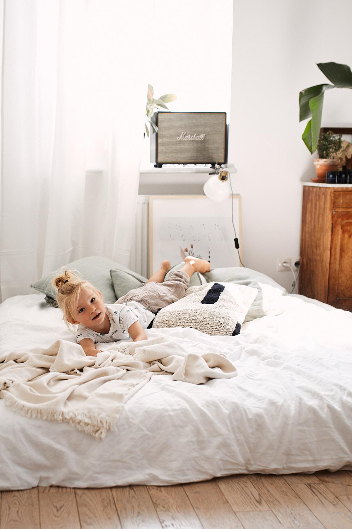 sesja warszawa w domu domowa rodzinna fotograf
