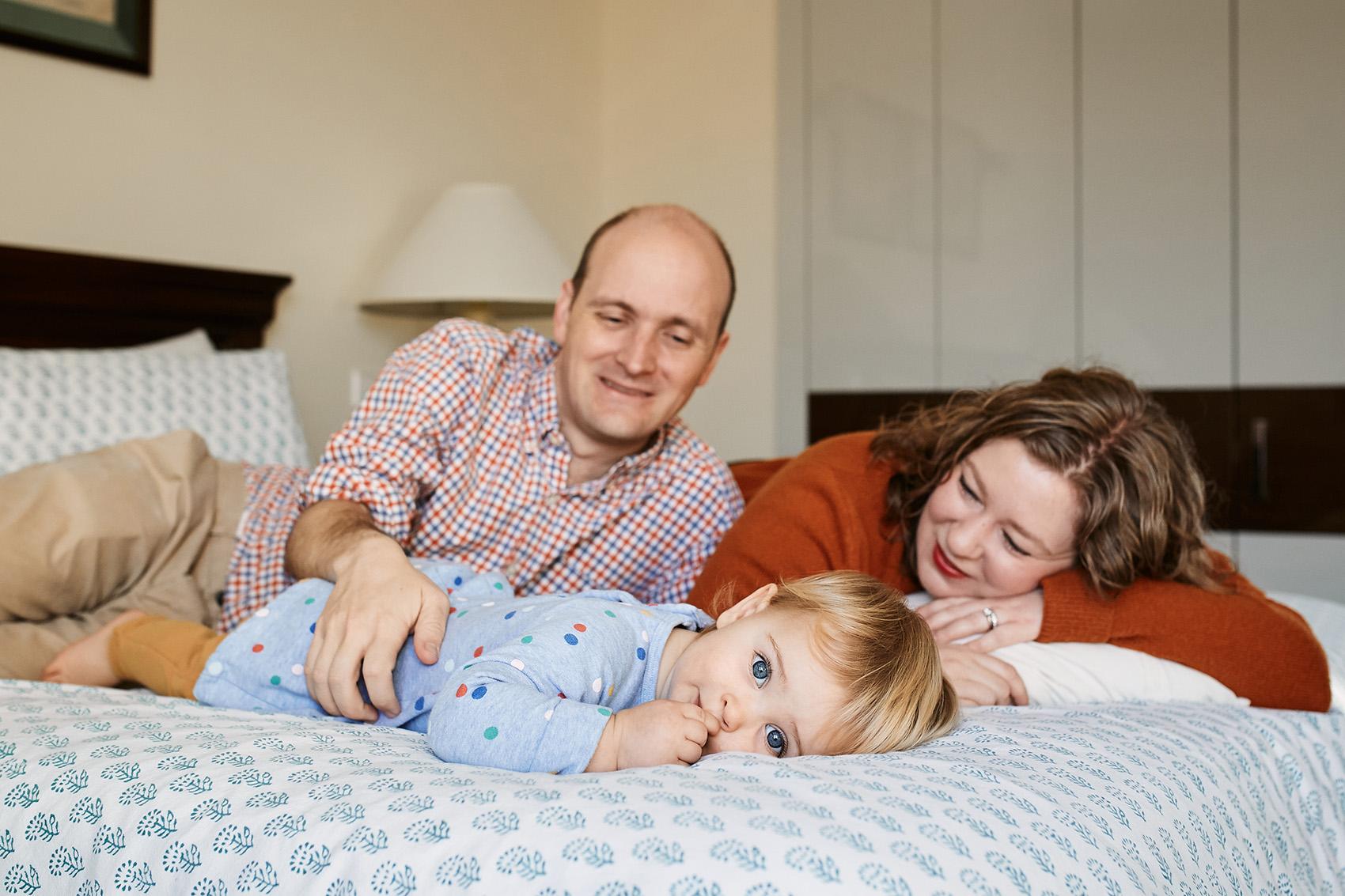 rodzinna sesja w domu noworodkowa dziecieca warszawa